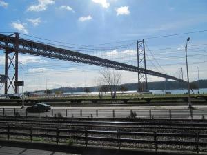 Die Brücke über Rio Tejo